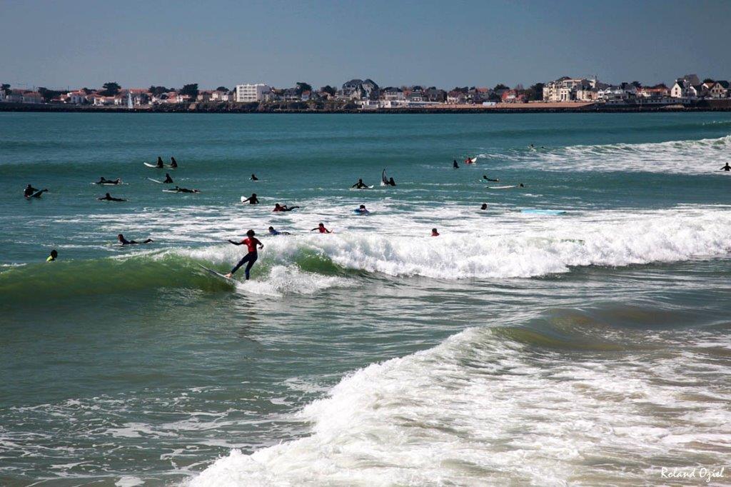 surf sur la plage proche du camping