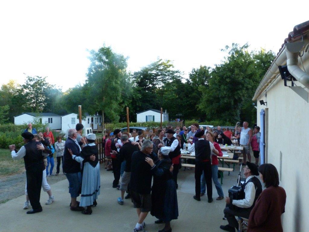 Spectacle danse au camping à Saint Gilles Croix de Vie