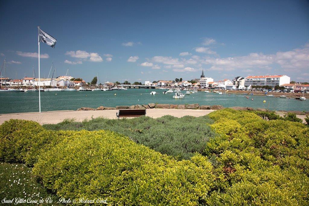 Port de Saint Gilles proche du camping