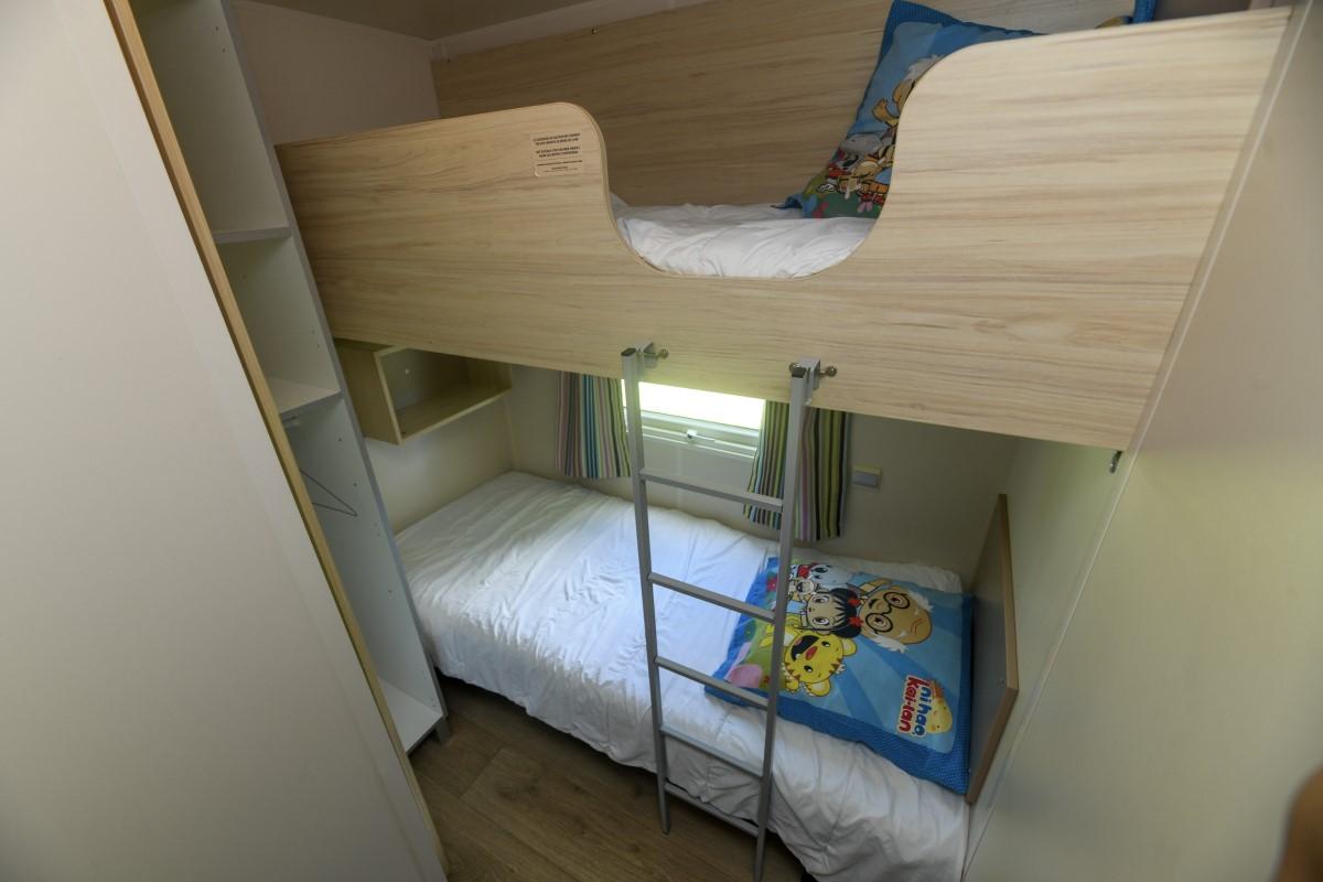 chambre avec lits superposés camping vendée