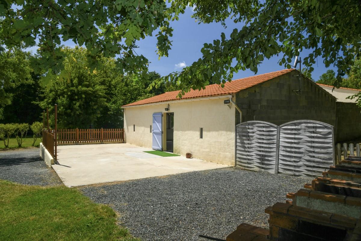 Salle en Vendée avec terrasse