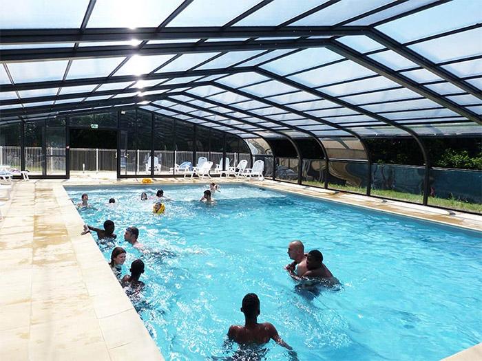piscine couverte du camping calme en Vendée