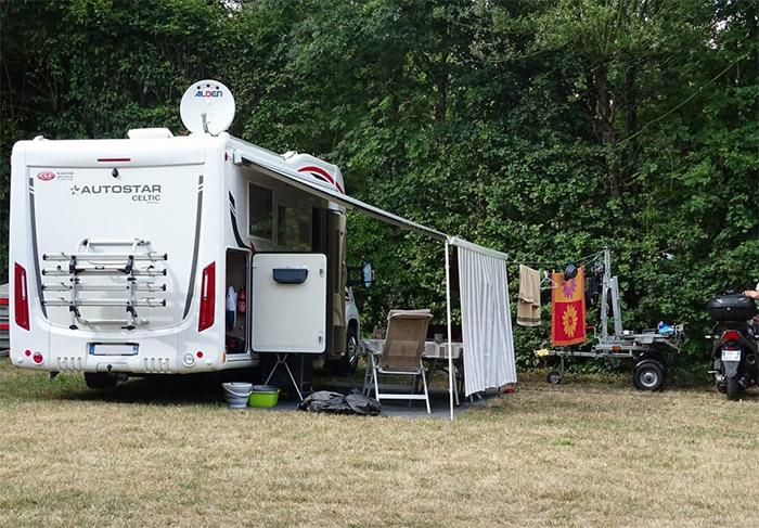 camping car sur emplacement nature en Vendée