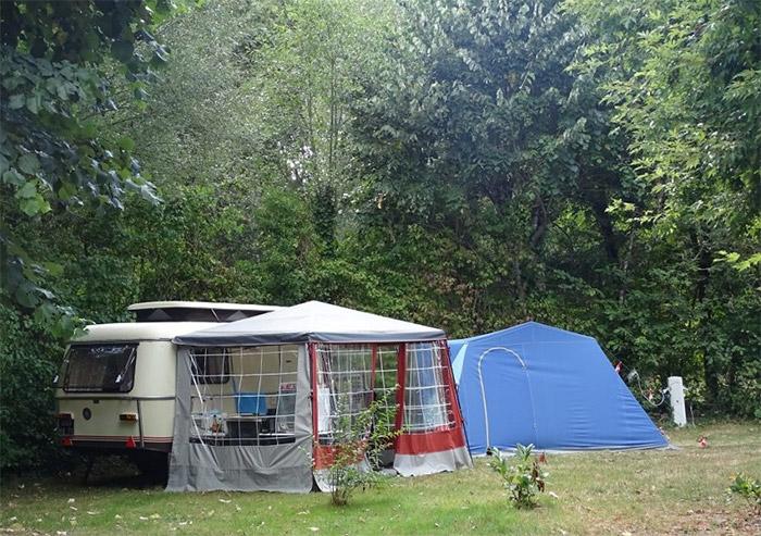 location d'emplacement dans un camping nature en Vendée