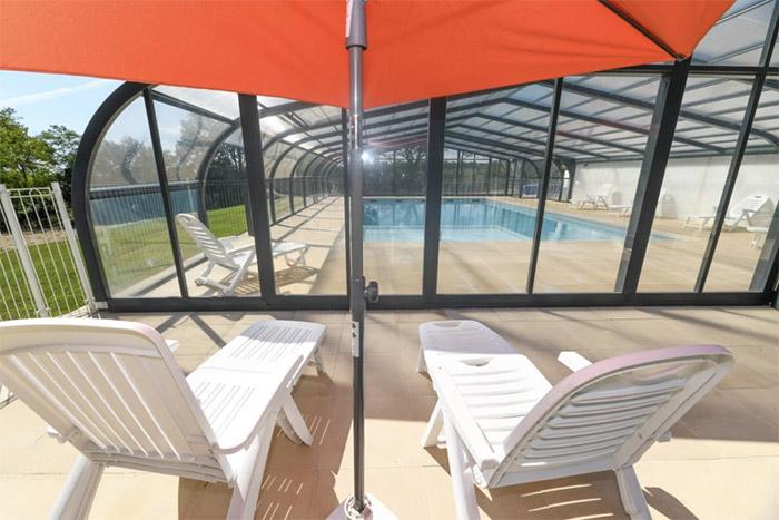 camping avec emplacement nature et piscine couverte